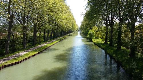 Boé Village, entre Garonne, canal et lacs